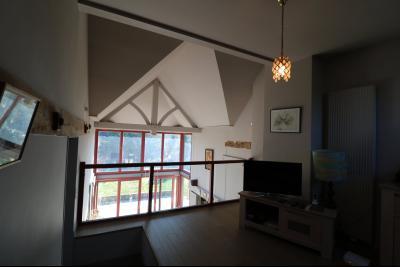 Chaumergy, à vendre très agréable maison de 7 pièces, 179m² sur 10060m² de terrain clos., vue sur vérabda
