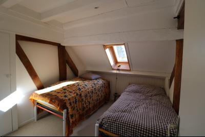 Chaumergy, à vendre très agréable maison de 7 pièces, 179m² sur 10060m² de terrain clos., chambre 2 étage