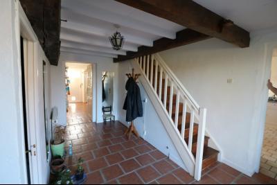 Chaumergy, à vendre très agréable maison de 7 pièces, 179m² sur 10060m² de terrain clos., hall d