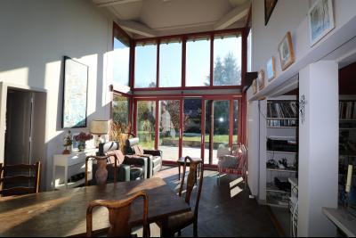 Chaumergy, à vendre très agréable maison de 7 pièces, 179m² sur 10060m² de terrain clos., vue séjour