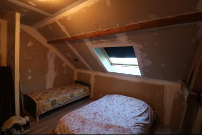 Secteur Chaussin, vends ancienne ferme de 7 pièces, 180m² , dépendances sur 2 hecatres de terrain., chambre 3