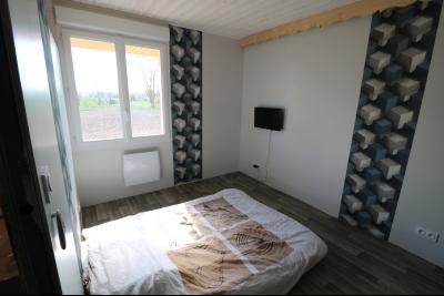 Chaumergy, à vendre agréable maison récente de 5 pièces, 95m² habitables, garage, 1400m² de terrain., suite parentale avec salle d