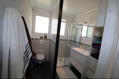 Chaumergy, à vendre agréable maison récente de 5 pièces, 95m² habitables, garage, 1400m² de terrain., salle d