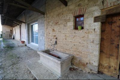 Proche Chaumergy, vends maison et ferme 75 et 150m² en cours de restauration sur 2750 m² de terrain., ferme coté gauche