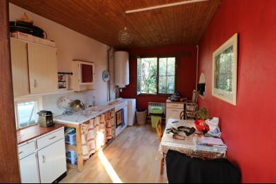 Proche Chaumergy, vends maison et ferme 75 et 150m² en cours de restauration sur 2750 m² de terrain., maison annexe