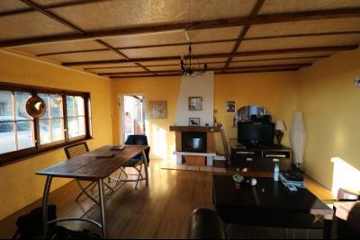 Proche Chaumergy, vends maison et ferme 75 et 150m² en cours de restauration sur 2750 m² de terrain., annexe cuisine