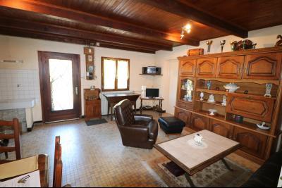 Secteur Chaussin, à vendre maison de plain-pied, 4 pièces, 90m², garage sur 700m² de terrain., salon/séjour