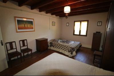 Secteur Chaussin, à vendre maison de plain-pied, 4 pièces, 90m², garage sur 700m² de terrain., chambre 2