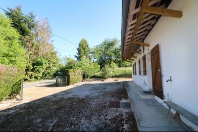 Secteur Chaussin, à vendre maison de plain-pied, 4 pièces, 90m², garage sur 700m² de terrain.,