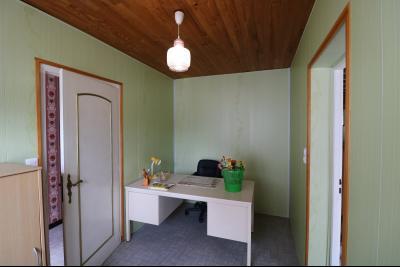 15 mn de Dole vends grande maison familiale de 220 et 150m² habitable dur 5600m² de terrain clos., hall d