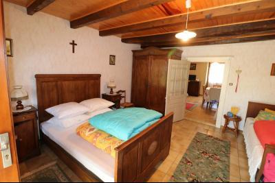 Chaumergy, vends maison de plain pied, 4 pièces, grandes dépendances 180m² sur 3469m² de terrain., chambre 2 RdC