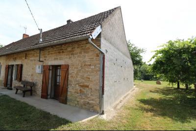 Chaumergy, vends maison de plain pied, 4 pièces, grandes dépendances 180m² sur 3469m² de terrain., vue de droite