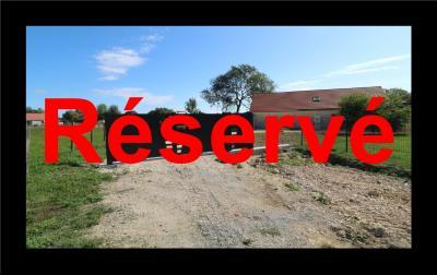 Secteur Chaumergy vends ancienne ferme à réaménager de 7 pièces, 200m² sur 5000m² de terrain., Vue depuis parking
