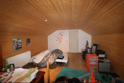 Secteur Chaussin, à vendre agréable maison récente (2008) de 7 pièces, 140m² sur 2000m² de terrain., chambre 4 étage