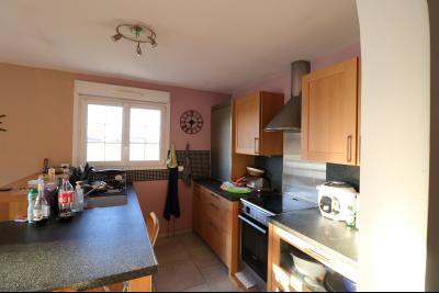 Secteur Chaussin, à vendre agréable maison récente (2008) de 7 pièces, 140m² sur 2000m² de terrain., idem