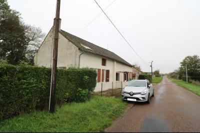 Seurre à 5mn, vends maison de 7 pièces, 150m² habitables, garage sur 8000m² de terrain clos., vue gauche