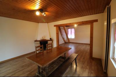 Forêt de Chaux, proche Dole, vends maison 6 pièces, 115m² habitables sur 2500m² avec dépendances., idem
