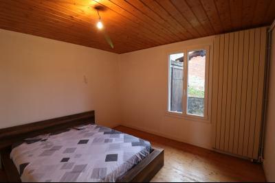 Forêt de Chaux, proche Dole, vends maison 6 pièces, 115m² habitables sur 2500m² avec dépendances., chambre 1 RdC 12M²