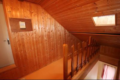 Forêt de Chaux, proche Dole, vends maison 6 pièces, 115m² habitables sur 2500m² avec dépendances., petite mezzanine