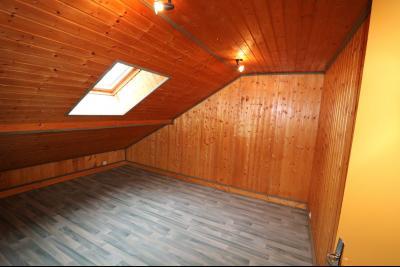 Forêt de Chaux, proche Dole, vends maison 6 pièces, 115m² habitables sur 2500m² avec dépendances., chambre 3 étage