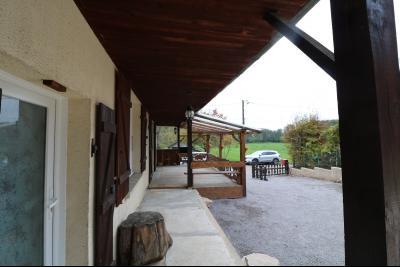 Forêt de Chaux, proche Dole, vends maison 6 pièces, 115m² habitables sur 2500m² avec dépendances., vue de gauche