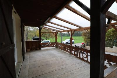 Forêt de Chaux, proche Dole, vends maison 6 pièces, 115m² habitables sur 2500m² avec dépendances., terrasse couverte