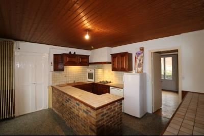 Forêt de Chaux, proche Dole, vends maison 6 pièces, 115m² habitables sur 2500m² avec dépendances., cuisine équipée