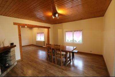 Forêt de Chaux, proche Dole, vends maison 6 pièces, 115m² habitables sur 2500m² avec dépendances., salon/séjour 37m² avec cheminée