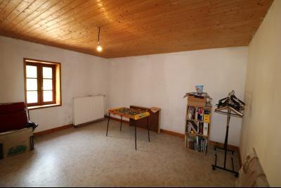 Chaussin à 2 kms vends ancienne ferme restaurée de 6 pièces, 132m² sur 2500m² de terrain clos., chammbre 2