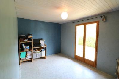 Chaussin à 2 kms vends ancienne ferme restaurée de 6 pièces, 132m² sur 2500m² de terrain clos., chambre 3