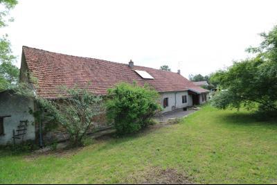 Chaussin à 2 kms vends ancienne ferme restaurée de 6 pièces, 132m² sur 2500m² de terrain clos., vue arrière