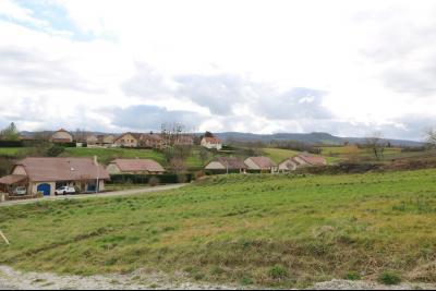 Arbois ville, vends très beau terrain de 878m² avec toutes les commodités sur place, vue à droite