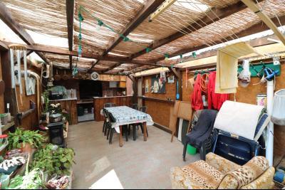 Proche Arc-et-Senans, maison ancienne 13 pièces, 290m² terrain clos et aménagé de 940m²., veranda couverte