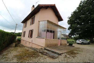 Secteur Poligny vends habitation de 4 pièces, 100m² et ferme 500m² sur 6800m² de terrain clos., vue arrière