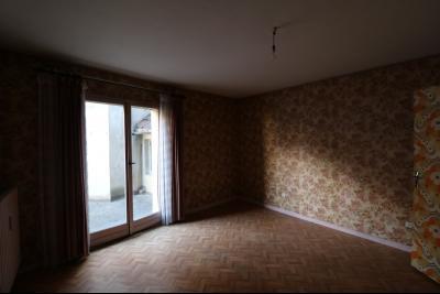 Sellières vends immeuble à rénover ancien PMU de 240m² avec appartement étage 100m², idem