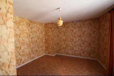 Sellières vends immeuble à rénover ancien PMU de 240m² avec appartement étage 100m², chambre 3