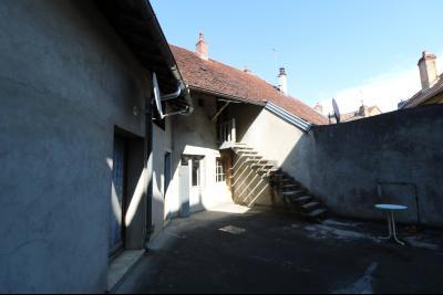 Sellières vends immeuble à rénover ancien PMU de 240m² avec appartement étage 100m², avec accès combles aménageables