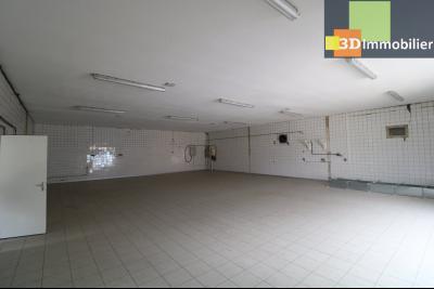 10mn de Dole, à vendre bâtiment commercial et industriel de 248m² avec parking indépendant., idem