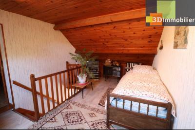 Secteur Chaussin vends belle fermette de 7 pièces,150m², dépendances 90m²sur 5200 m² de terrain clos, mezzanine/chambre