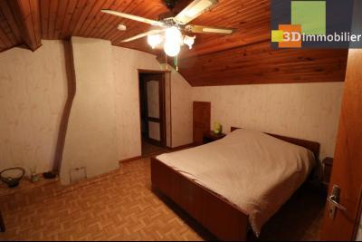 Secteur Chaussin vends belle fermette de 7 pièces,150m², dépendances 90m²sur 5200 m² de terrain clos, chambre 2