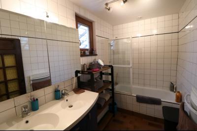 Secteur Pierre de Bresse, vends superbe maison, 9 pièces, 209m², dépendances, sur 5320m² de terrain., salle de bain RdC