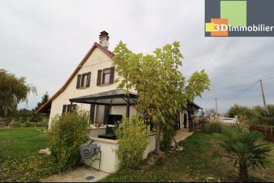 Secteur Pierre de Bresse, vends superbe maison, 9 pièces, 209m², dépendances, sur 5320m² de terrain., idem avec pergola