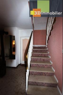 Secteur ARBOIS (39 JURA), à vendre maison de ville de 9 pièces sur 1174 m² de terrain clos., chambre RdC