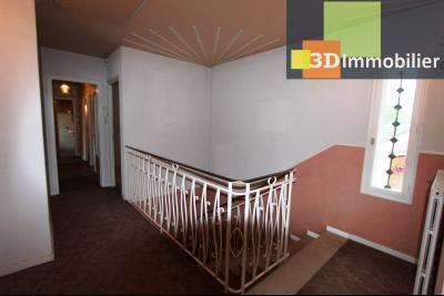 Secteur ARBOIS (39 JURA), à vendre maison de ville de 9 pièces sur 1174 m² de terrain clos., accès étage