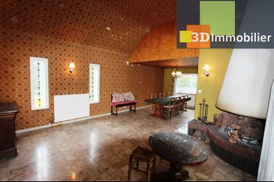 Secteur ARBOIS (39 JURA), à vendre maison de ville de 9 pièces sur 1174 m² de terrain clos., salon-séjour 39 m²