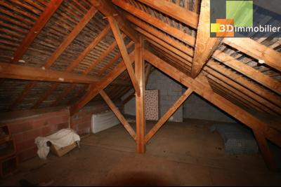 Secteur ARBOIS (39 JURA), à vendre maison de ville de 9 pièces sur 1174 m² de terrain clos., garage 2 portes 48m²