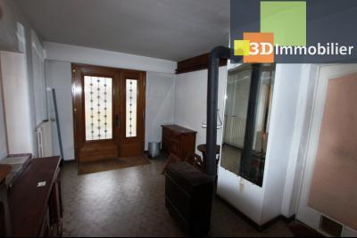 Secteur ARBOIS (39 JURA), à vendre maison de ville de 9 pièces sur 1174 m² de terrain clos., garage jardin