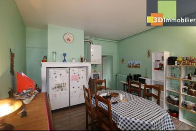 DOLE centre, au 1er étage, vends bel appartement de 6 pièces,  surface habitable de 150m²., chambre 1 22m²