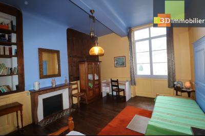 DOLE centre, au 1er étage, vends bel appartement de 6 pièces,  surface habitable de 150m²., idem