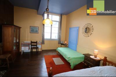 DOLE centre, au 1er étage, vends bel appartement de 6 pièces,  surface habitable de 150m²., chambre 4 16m²